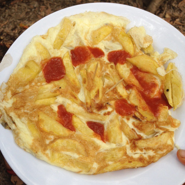 Chips mayayi-chips and eggs